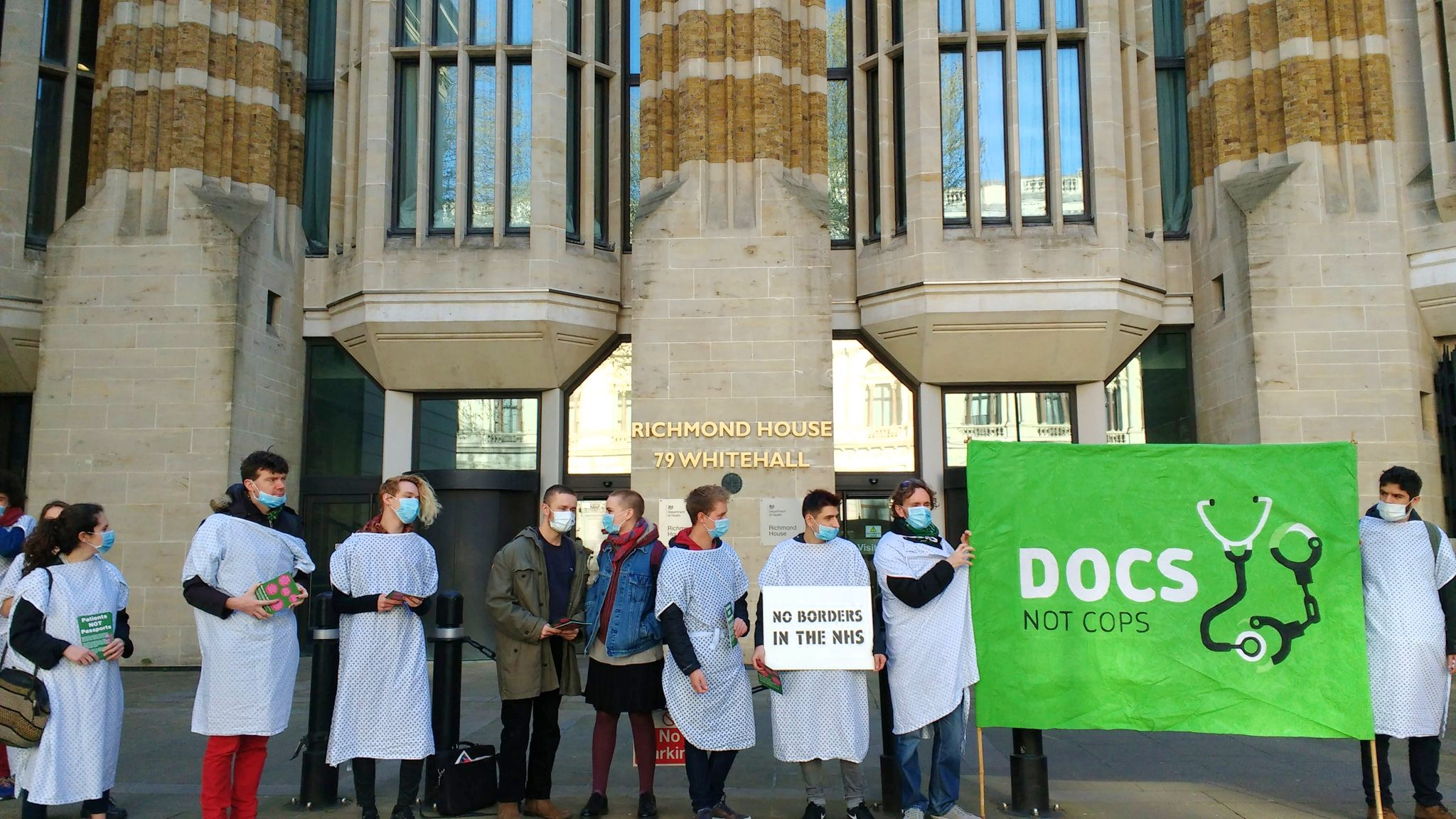 Docs Not Cops take action against border enforcement in the NHS – Right to  Remain