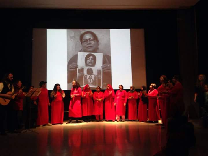 The Mama choir performing